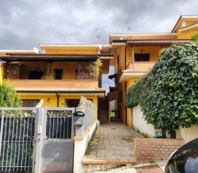 Villetta Trifamiliare- Settimo